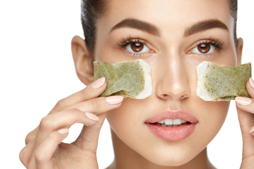 Green Tea Eye De-puffer