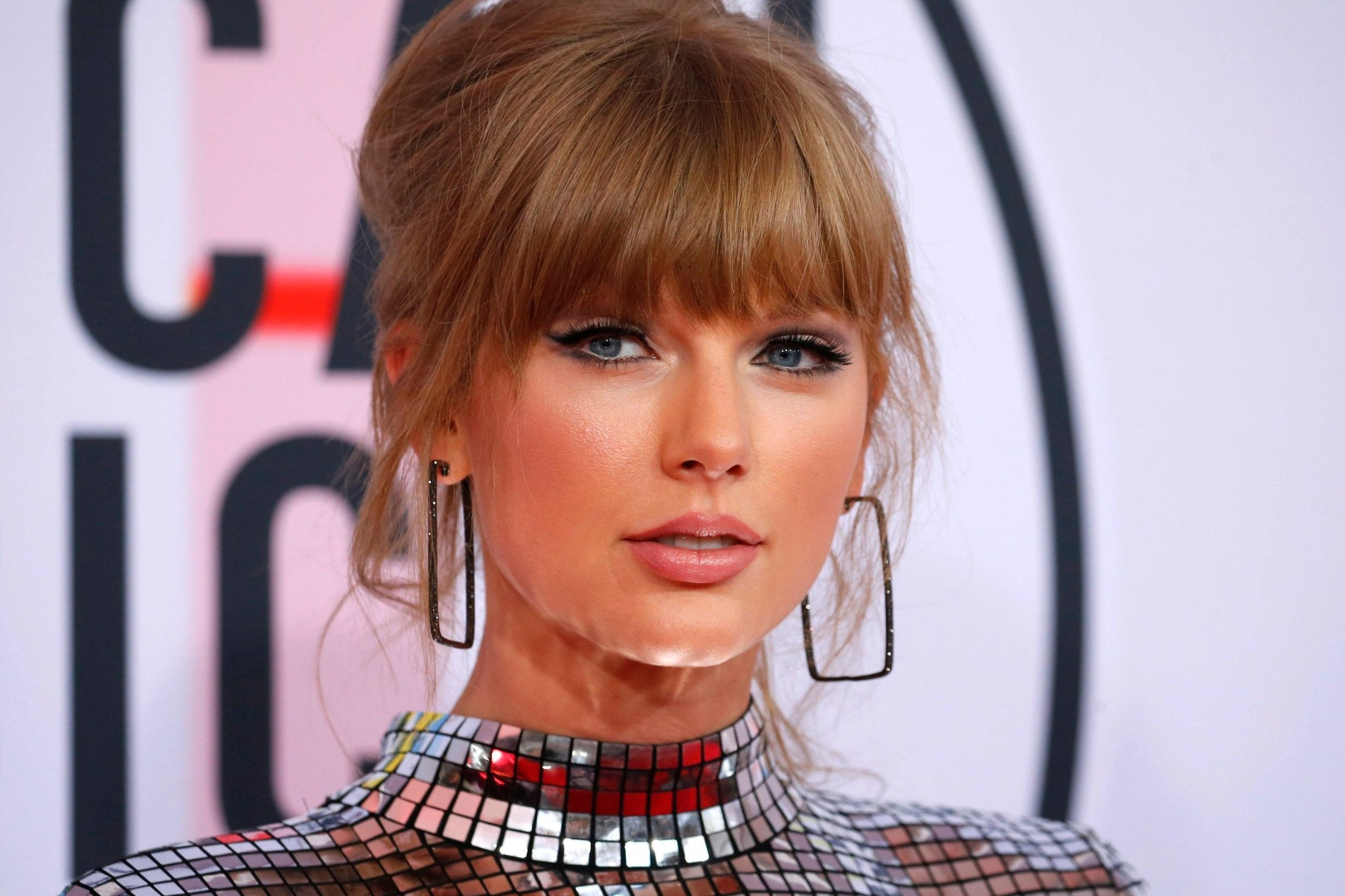 Taylor Swift Denounces Scooter Braun as He Sells Her Master Recordings