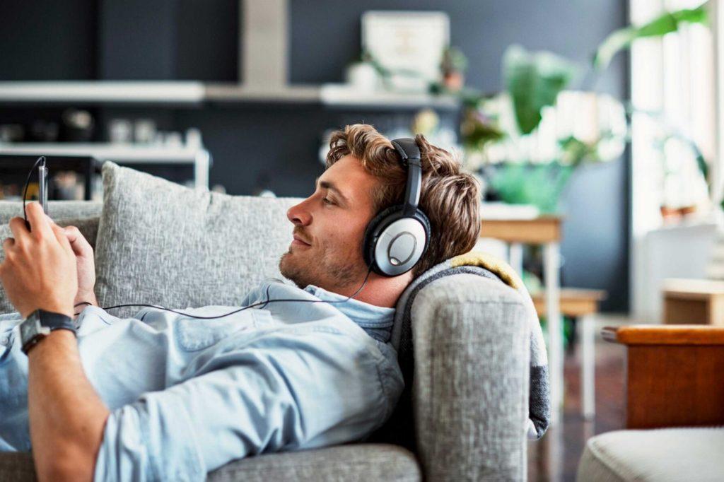 5 Cozy Spring Break Essentials: Podcasts, Pajamas & More!