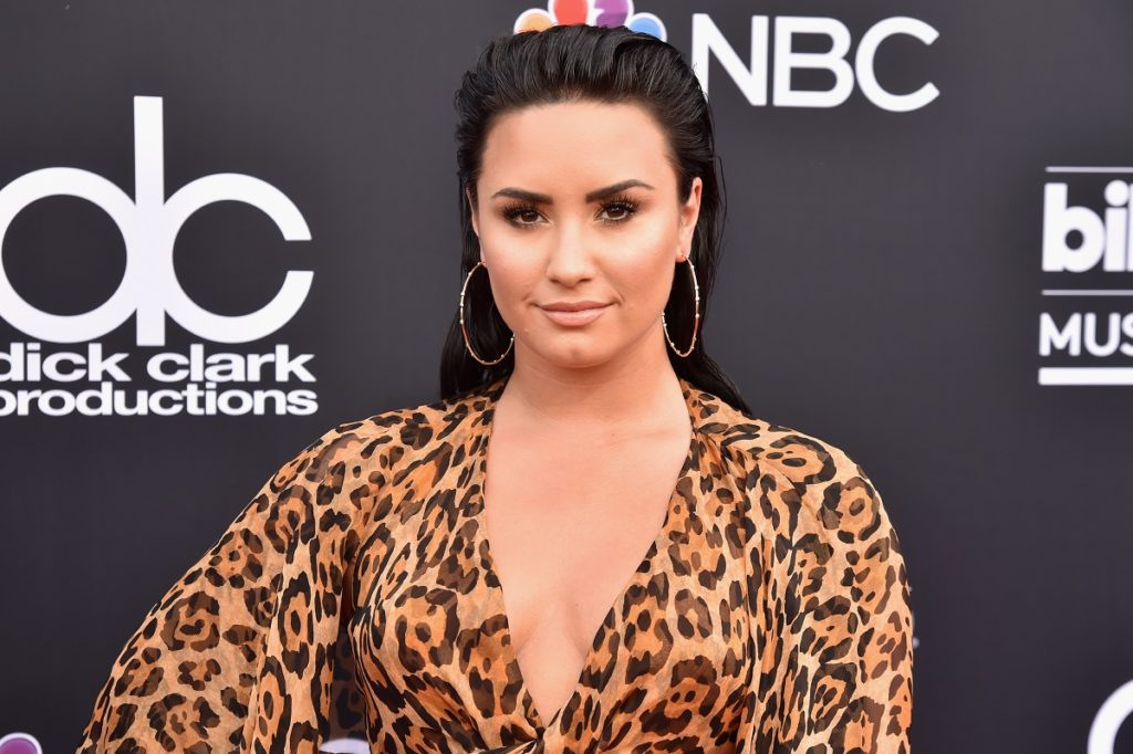 Coming Out as Non-Binary - Demi Lovato Shared Their Pronouns