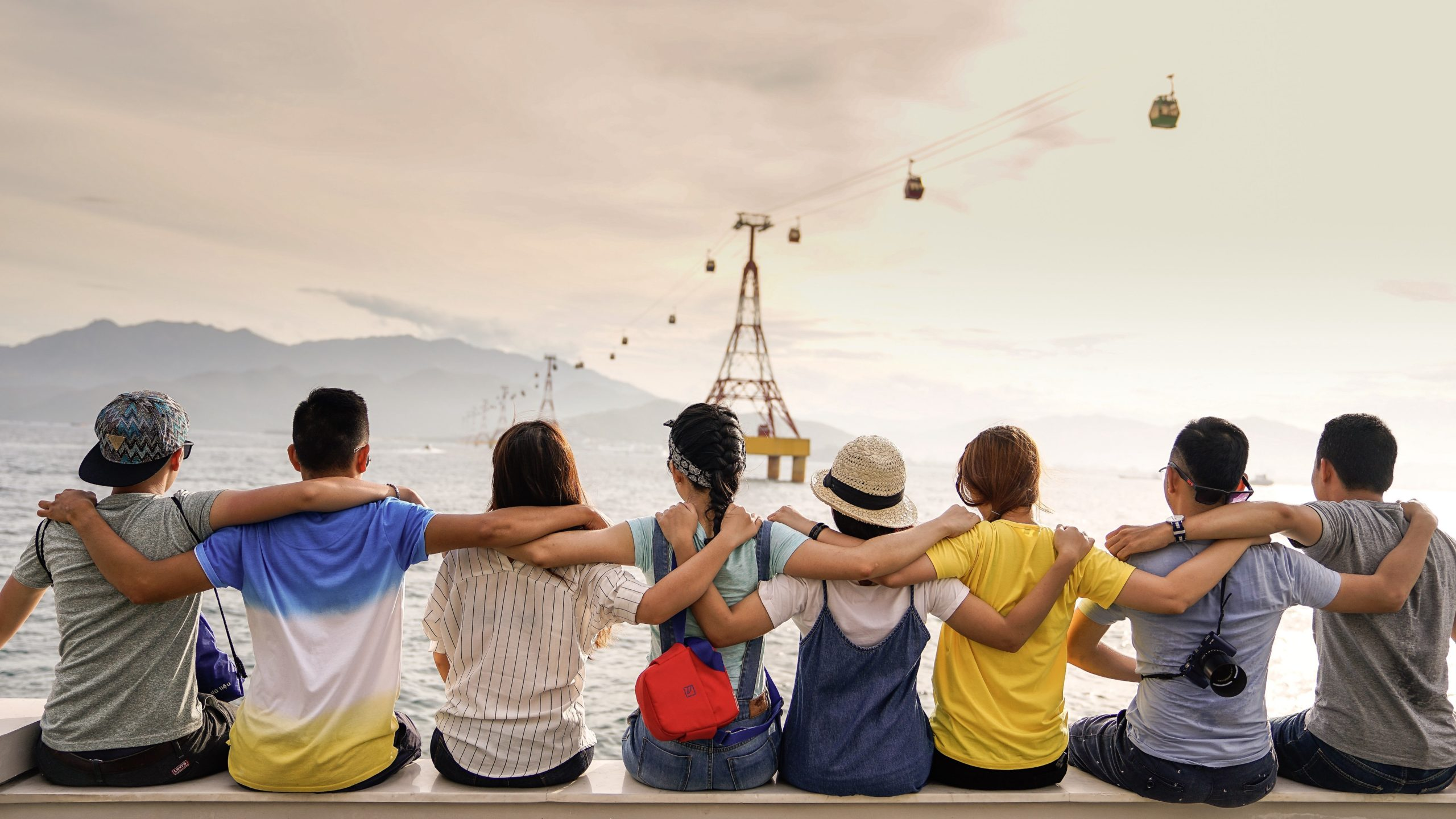Drifting Away From a Friend: 3 Signs That Shouldn't Be Ignored